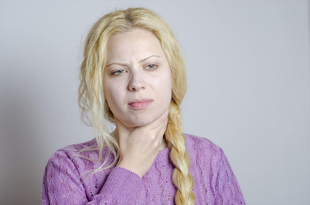 喉飴、トローチでも治らない喉の痛みがスーっと引いた〇〇とは?